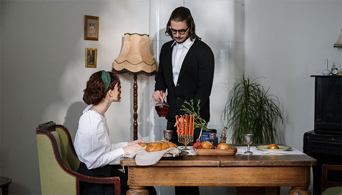Jewish Cultures of Dating
